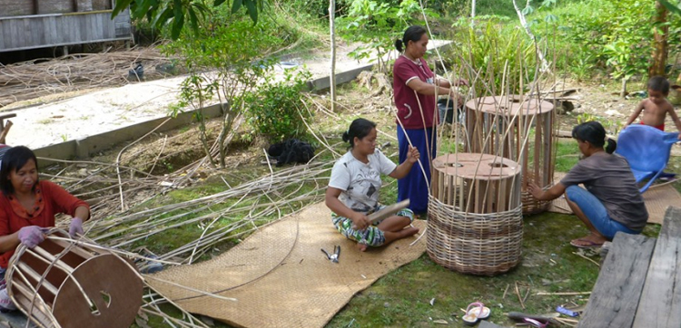 rainforest baskets working with The Katingan Project in Borneo
