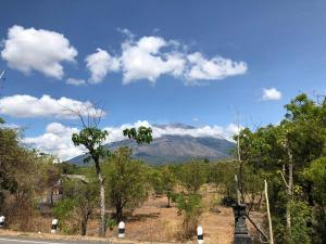 The Volcano , Gunung ( Mt ) Agung , East Bali